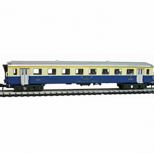 Arnold B.L.S Coach - N Scale with boxed
