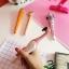 [พร้อมส่ง] ปากกาไม้แกะสลัก ลายนกฟลามิงโก้ thumbnail 4